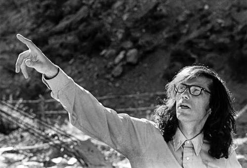 Christo directing work at Valley Curtain 1971 © 1971 Christo.