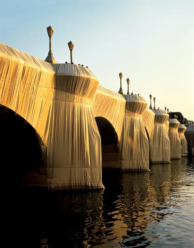 Christo and Jeanne-Claude The Pont Neuf Wrapped, Paris, 1975-85.