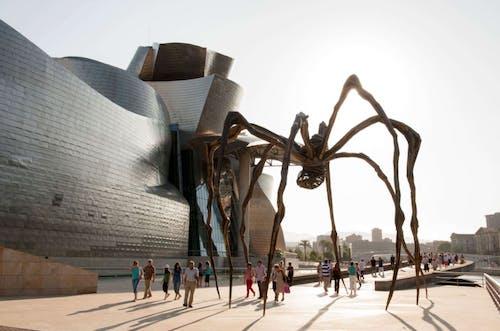 Lousie Bourgeois, Maman sculpture at the Guggenheim Bilbao.