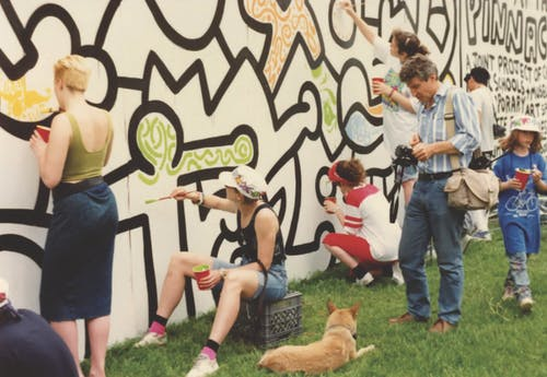High School kids are helping Keith Haring to create a mural in New York. Courtesy of Chicago Cultural Counsel.