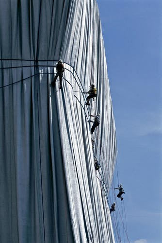 Christo and Jeanne-Claude Wrapped Reichstag, Berlin, 1971-95.