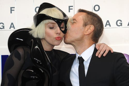 Lady Gaga and Jeff Koons on the red carpet
