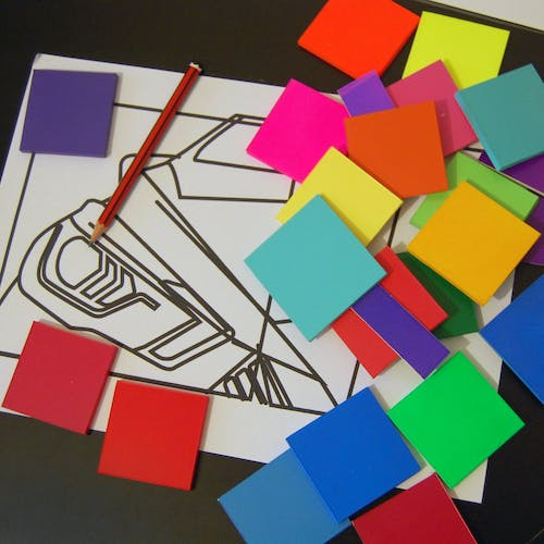 A view at Yoni Alters process, selecting and colours and designing shapes.