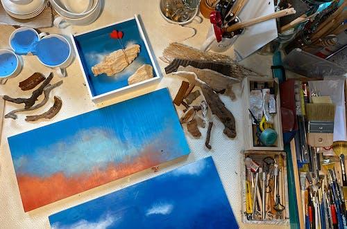 A look inside the studio of Vera Vizzi.